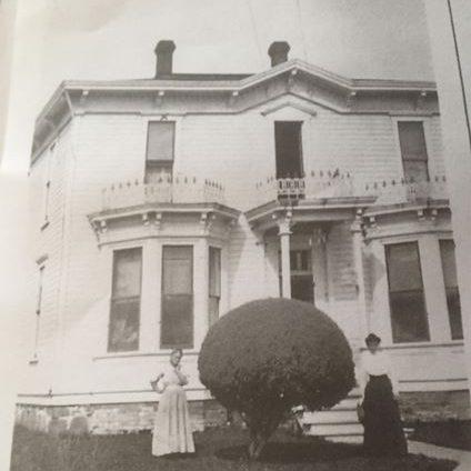 Donaca House